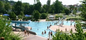 Familienfreibad der Extraklasse 2 - Quellenangabe -  Bildarchiv Stadt Böblingen